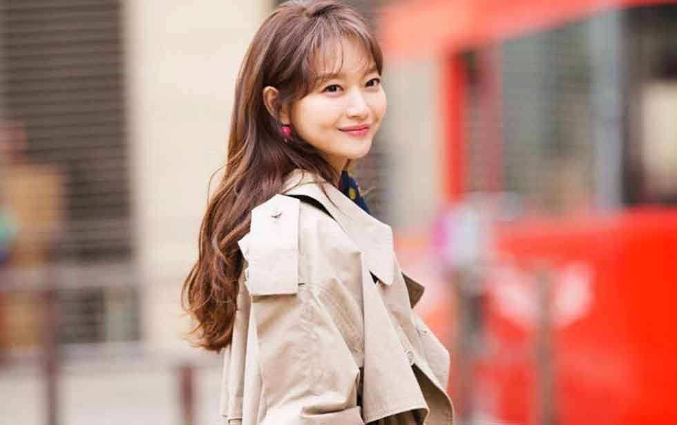 Shin Min Ah, Age, Married, Husband, Height, Net Worth, Body Measurement