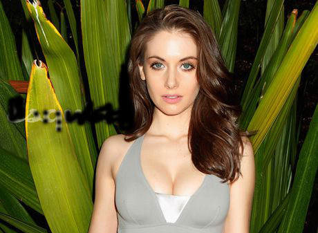 Alison Brie Age, Height, Wedding, Husband, Net Worth, Movies, TV Shows
