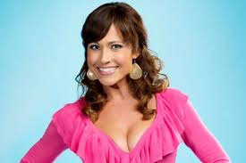Nikki DeLoach Age, Height, Husband, Movies, TV Shows, Net Worth, Baby