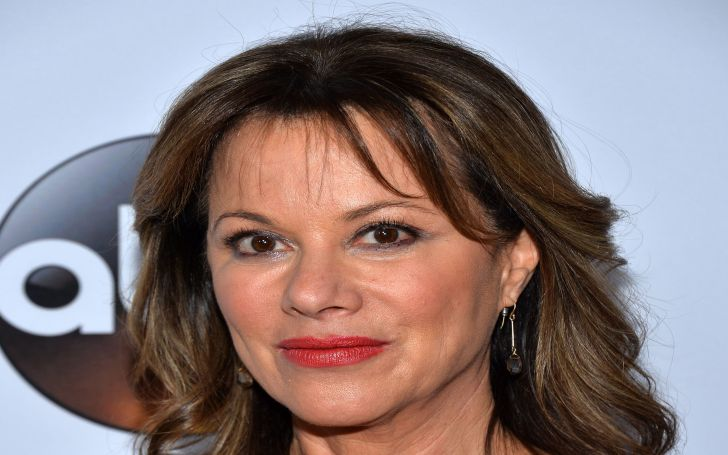 Nancy Lee Grahn Bio, Wiki, Age, Height, Net Worth, Career, Awards, Married, Engaged, Boyfriend, Husband, Daughter, Family