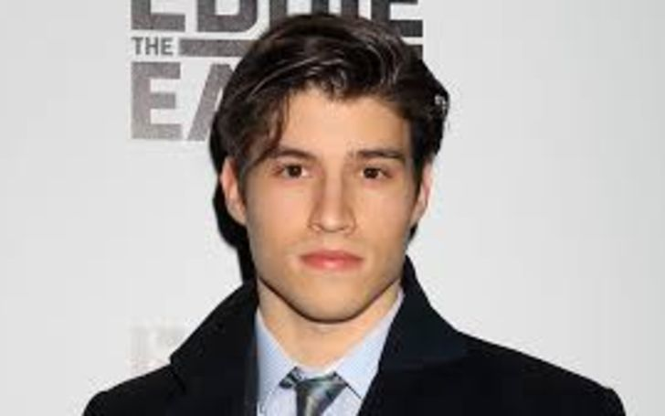 Cameron Cuffe Bio, Wiki, Age, Height, Net Worth, Movies, TV Shows, Career, Affairs, Married, Relationship