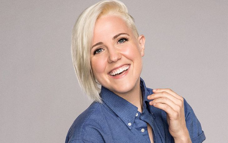 Who Is Hannah Hart? Get To Know About Her Age, Height, Net Worth, Measurements, Personal Life, & Relationship