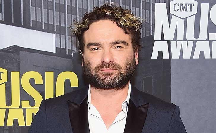 Who Is Johnny Galecki? Here's All You Need To Know About His Age, Height, Measurements, Personal Life, & Relationship