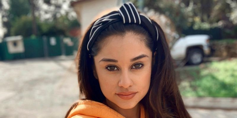 Yvette Monreal Seven Facts-Chemistry With Sylvester Stallone, New Face Of Star Girl, Childhood, Doppelganger Of Ariana Grande