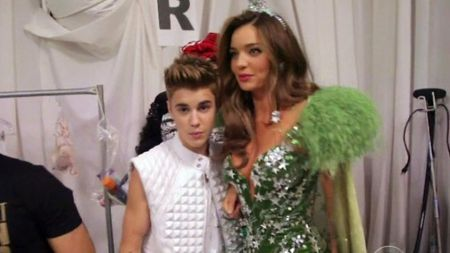 Justin Bieber with Miranda Kerr backstage of the 2012 Victoria's Secret Fashion Show