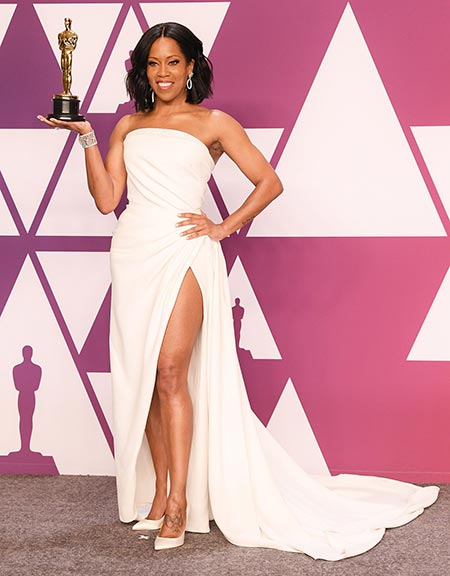 Actress Regina King with the Oscar Award she won for Best Supporting Actress for If Beale Street Could Talk