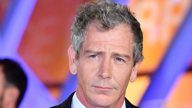 The Outsider Cast Ben Mendelsohn Relationship With Father, Marriage, & Net Worth: Seven Facts About Him