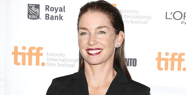 "Seven Facts Of ""The Outsider"" Actress Julianne Nicholson: Know About Her Married Life and Children"