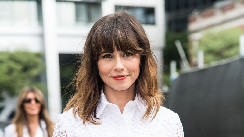 7 Facts of Dead to Me Actress Linda Cardellini: Net Worth, Parents, Relationship with Steven Rodriguez, & Notable Works