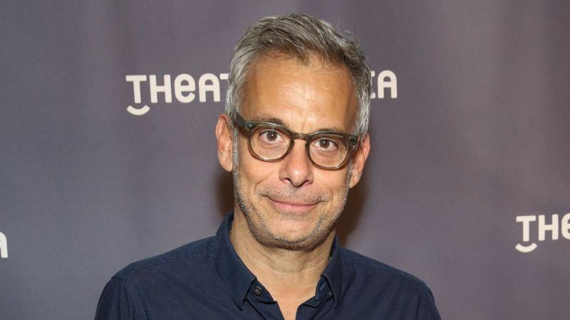 Tony-Winning Director Joe Mantello Stars in Hollywood: 7 Facts About His Net Worth & Relationship with Jon Robin Baitz