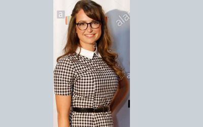 Who Is Milana Vayntrub? Know About Her Body Measurements & Net Worth
