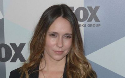 7 Facts About Jennifer Love Hewitt: Marriage, Motherhood, Net Worth, and a Career in Acting and Singing.