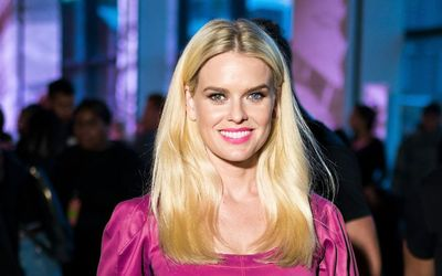 Seven Facts of Belgravia actress Alice Eve: Parents, Net Worth, Marriage, Struggle With Heterochromia & Notable Works