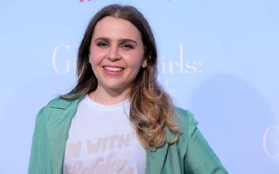 Good Girls Actress Mae Whitman: Net Worth, Movies & TV Shows, Parents, & Personal Life